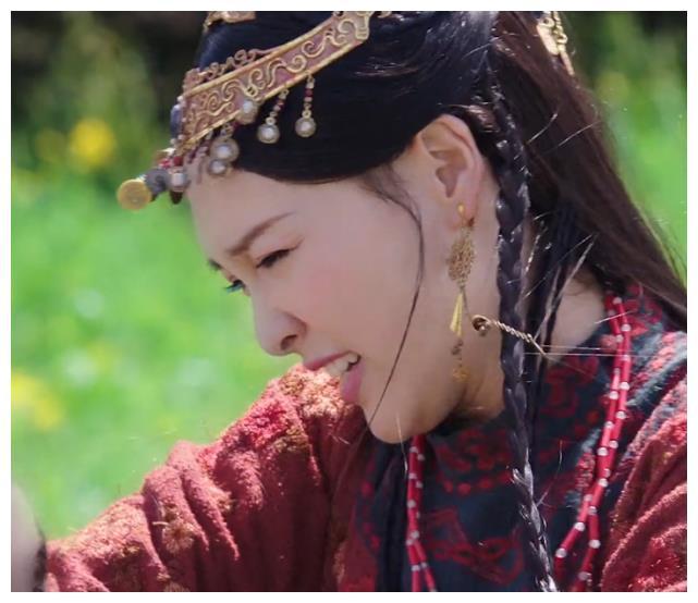 """""""Yến Vân Đài"""": Đường Yên bị diễn viên phụ đấm vào mặt, phản ứng đau đớn sau đó mới đáng nói  - Ảnh 5."""