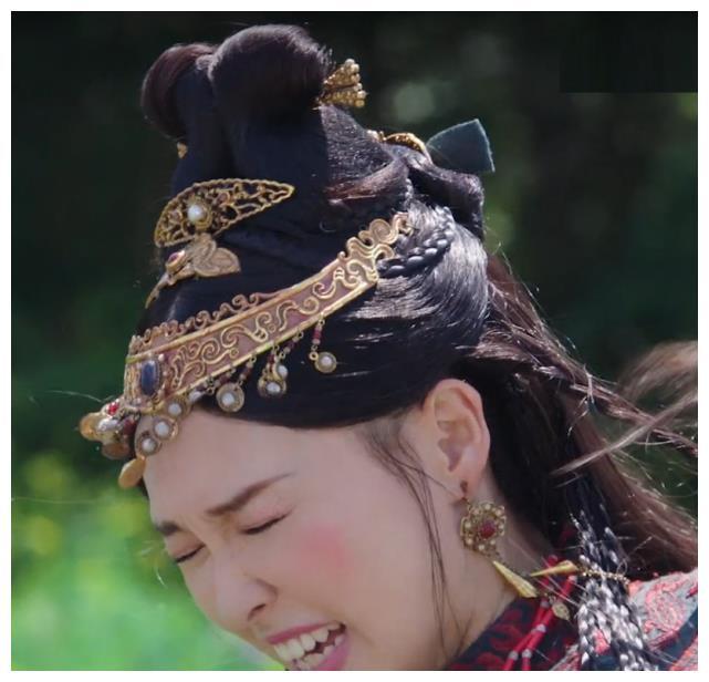 """""""Yến Vân Đài"""": Đường Yên bị diễn viên phụ đấm vào mặt, phản ứng đau đớn sau đó mới đáng nói  - Ảnh 6."""