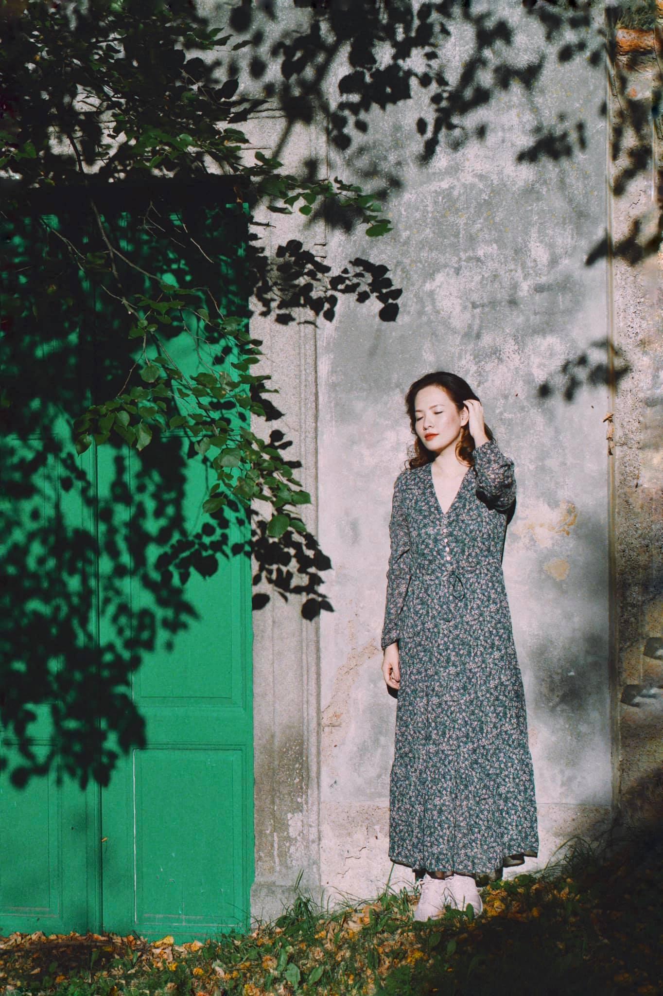 """Bảo Thanh diện váy hoa khoe khéo bụng bầu, Hồng Diễn """"hồi teen"""" hết xẩy trong street style """"vũ trụ VTV"""" - Ảnh 13."""