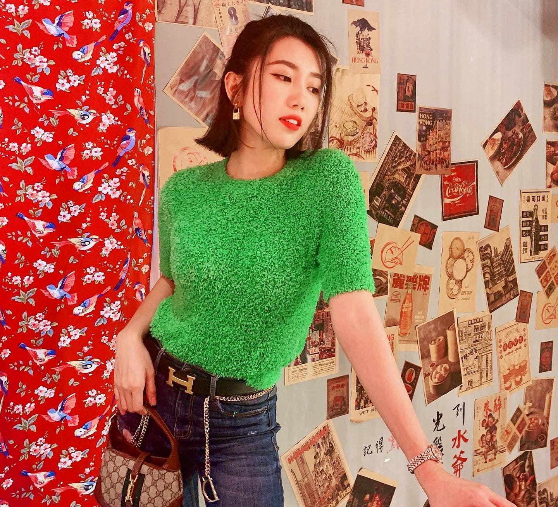 """Bảo Thanh diện váy hoa khoe khéo bụng bầu, Hồng Diễn """"hồi teen"""" hết xẩy trong street style """"vũ trụ VTV"""" - Ảnh 11."""