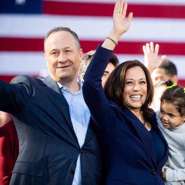 """Những bí mật đời tư ít ai biết về """"bà đầm thép"""" nữ Phó Tổng thống Mỹ vừa đắc cử, đặc biệt là mối quan hệ với con riêng và vợ cũ của chồng - Ảnh 2."""