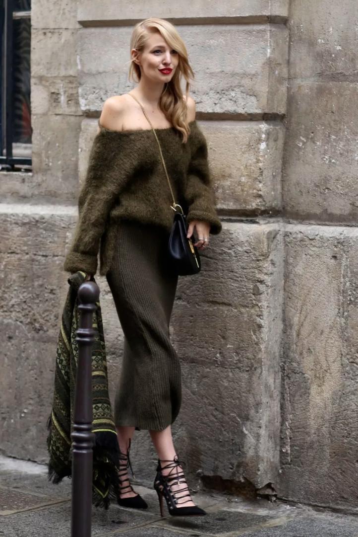 Mix & Phối - 6 cách mix áo len và váy được hội sành mặc chăm áp dụng nhất mùa lạnh - chanvaydep.net 10