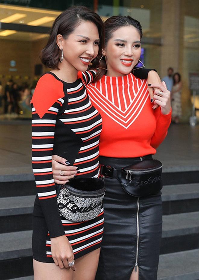 """Mix & Phối - Những pha tự quay vào """"ô mất lượt"""" vì mặc đồ bó tới lộ hết khuyết điểm của người đẹp Việt - chanvaydep.net 5"""