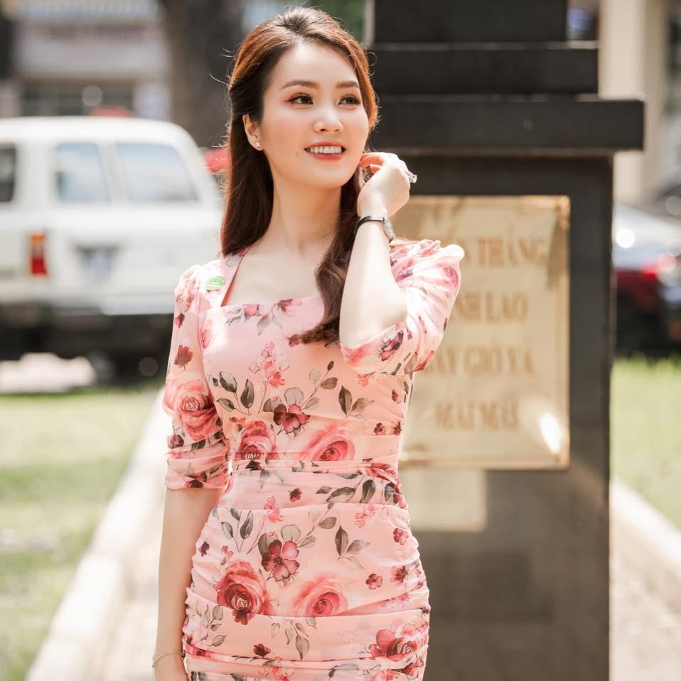 Mix & Phối - MC Thụy Vân lên sóng truyền hình luôn kín đáo, hiếm lắm mới thấy hở bạo với crop top: Không ngờ nàng Á hậu tuổi 34 lại gợi cảm, quyến rũ đến vậy! - chanvaydep.net 4
