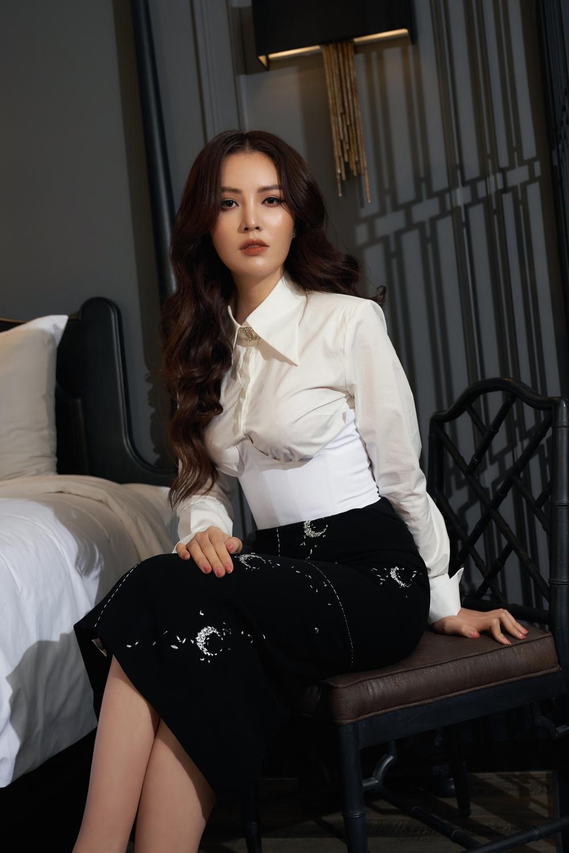 Mix & Phối - MC Thụy Vân lên sóng truyền hình luôn kín đáo, hiếm lắm mới thấy hở bạo với crop top: Không ngờ nàng Á hậu tuổi 34 lại gợi cảm, quyến rũ đến vậy! - chanvaydep.net 16