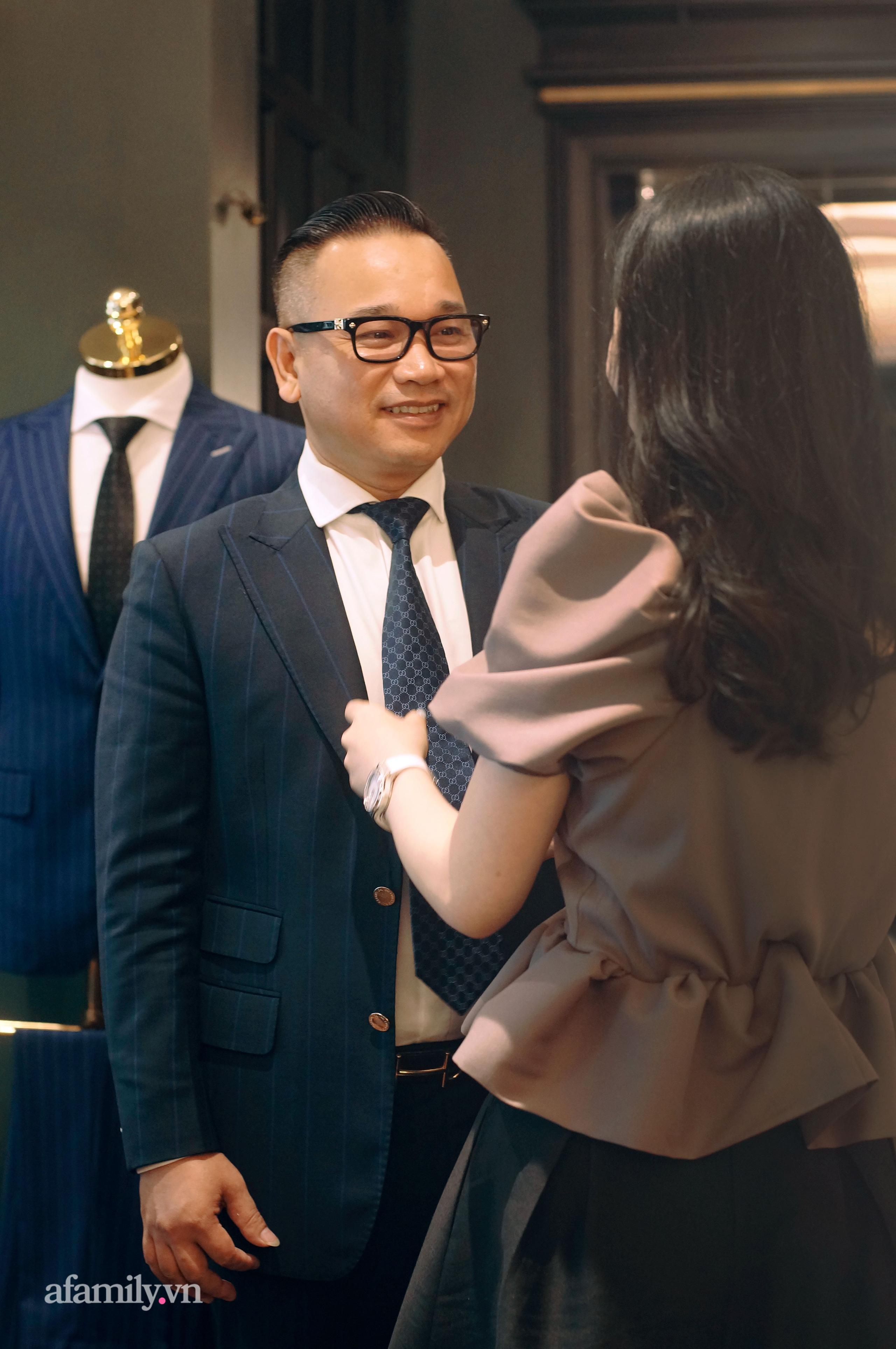 Phu nhân nhà Chương Tailor – khi áp lực không chỉ là mặc đẹp mà còn là cái tâm cùng chồng xây dựng thương hiệu - Ảnh 4.