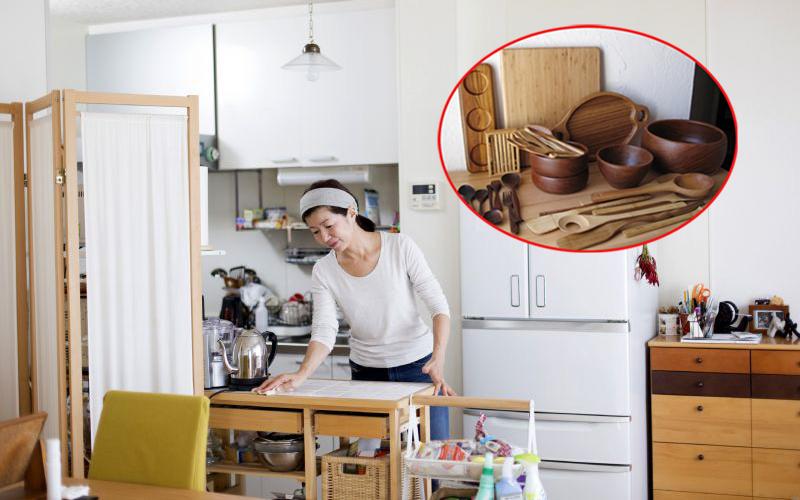 """Mẹ đảm Hà Nội chia sẻ mẹo bảo quản chén đĩa bằng gỗ cực """"đáng tiền"""" chỉ từ nguyên liệu tự nhiên có trong phòng bếp"""