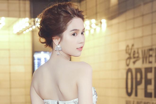 Để không phải hất tóc vào mặt người khác, Á hậu Linh Chi nên tham luôn và khảo ngay loạt style tóc đi dự sư kiện sang - xịn - mịn thế này - Ảnh 4.