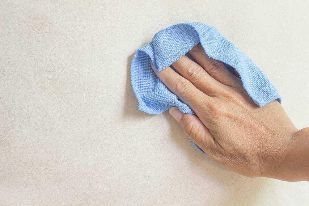 Tư vấn giải đáp: Có nên dùng giấy dán tường cho phòng ấm mốc? - Ảnh 6.