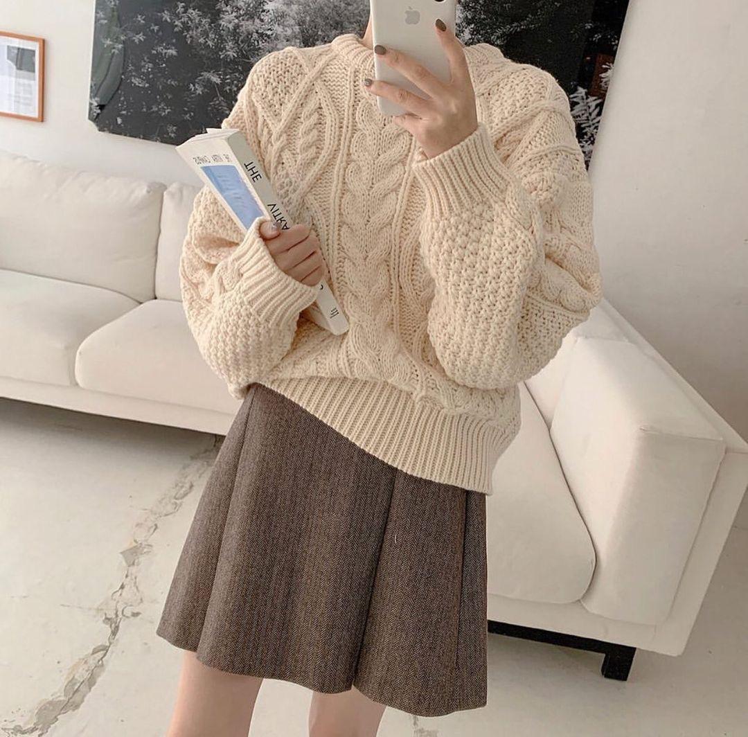 Mix & Phối - 6 cách phối áo len cho mùa Đông không lạnh, có những món đồ còn được tận dụng từ mùa Hè nữa đấy! - chanvaydep.net 8