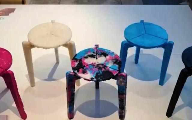 Nam sinh Hàn tái chế khẩu trang thành… ghế đẩu - Ảnh 2.