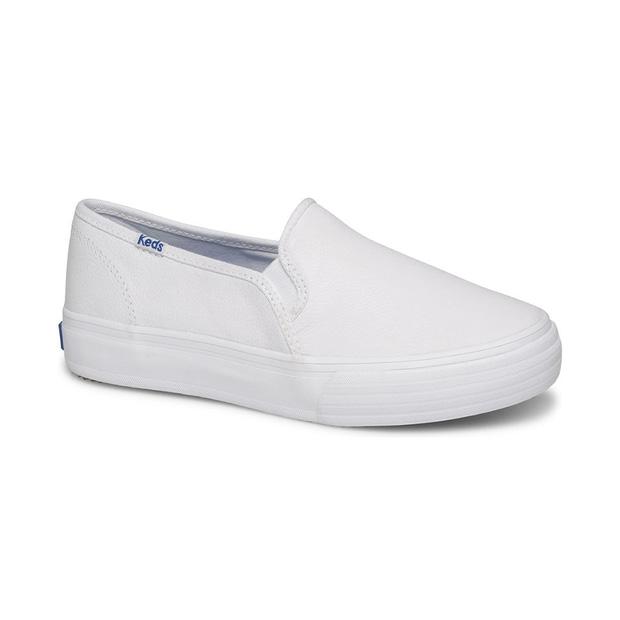 10 đôi classic sneakers giúp con gái xác định đâu là thứ cần cho đi và đâu là thứ cần ở lại - Ảnh 2.