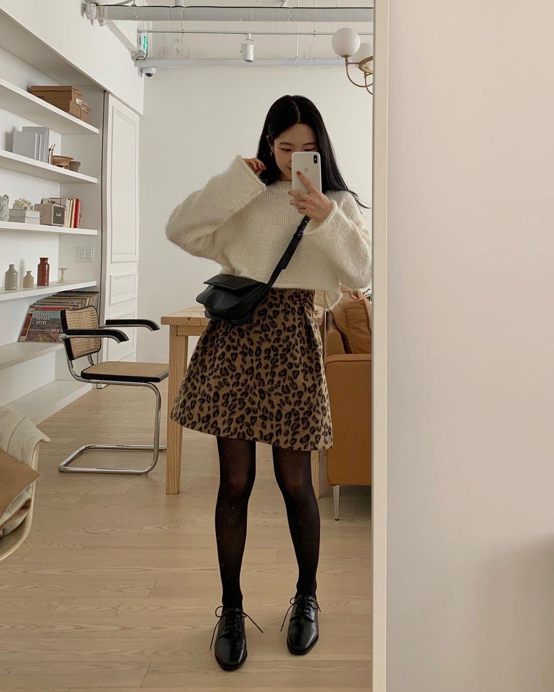 6 cách phối áo len cho mùa Đông không lạnh, có những món đồ còn được tận dụng từ mùa Hè nữa đấy! - Ảnh 5.