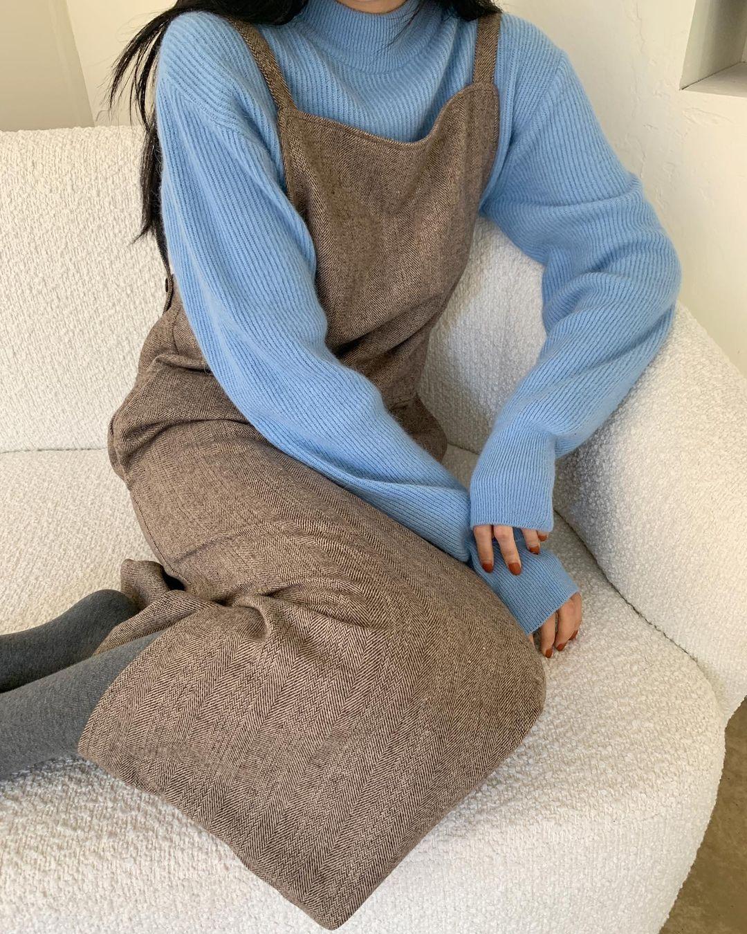6 cách phối áo len cho mùa Đông không lạnh, có những món đồ còn được tận dụng từ mùa Hè nữa đấy! - Ảnh 9.