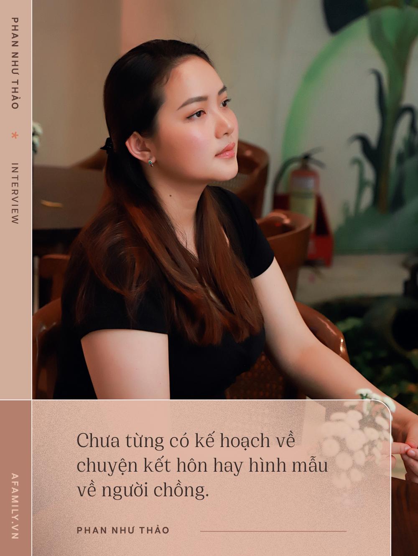"""Phan Như Thảo: Chồng mình yêu tới """"mờ mắt"""" nên vợ béo vẫn thấy hấp dẫn, thậm chí còn bảo sống mà ăn uống khổ sở thì chết đi cho rồi - Ảnh 3."""