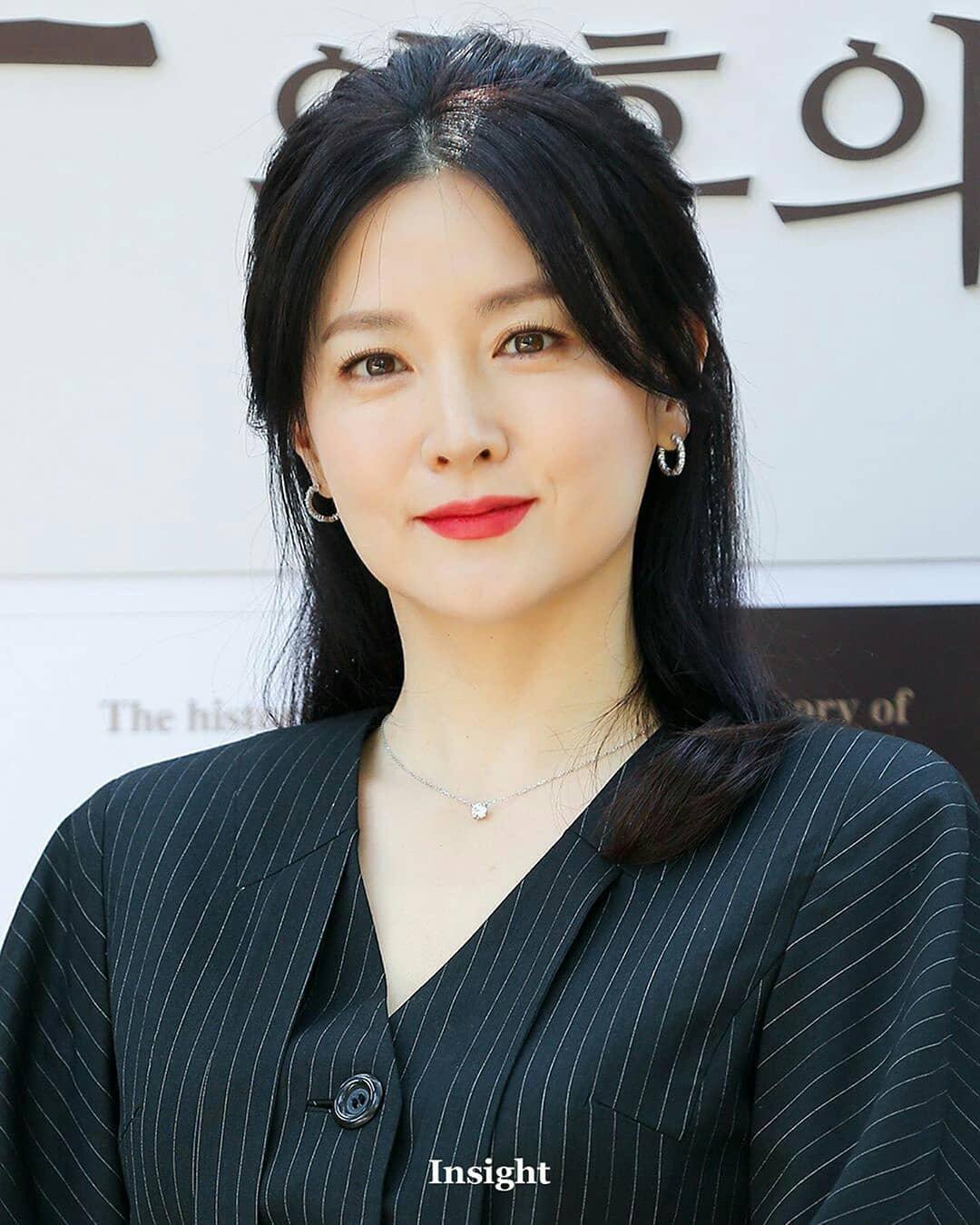 Gần 20 năm sau bộ phim Nàng Dae Jang Geum, ở tuổi 50 nữ chính vẫn tự tin với mặt mộc láng mịn: Bí mật nhan sắc nằm ở loại quả mà cô ăn mỗi tối - Ảnh 6.