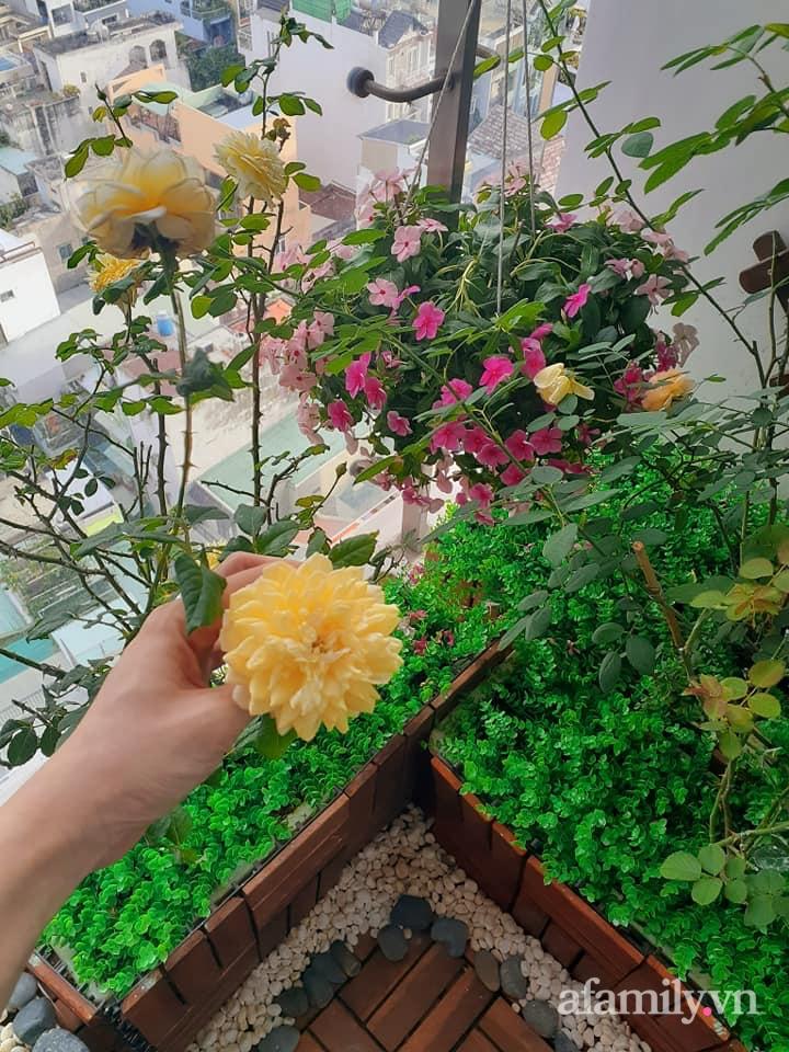 Bà mẹ trẻ Sài Gòn biến ban công trống trơn thành khu vườn ngập tràn hoa lá chỉ với 2,2 triệu đồng - Ảnh 11.