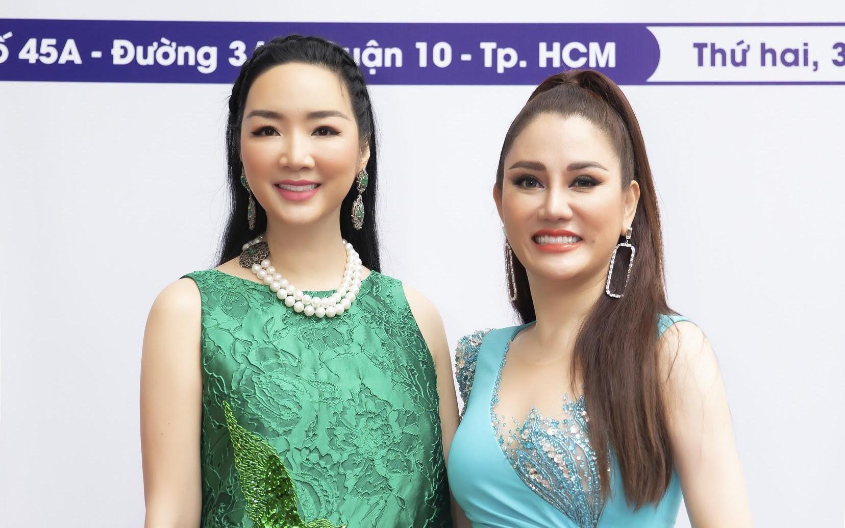 Vẻ đẹp lão hóa ngược của Hoa hậu Xuân Hương