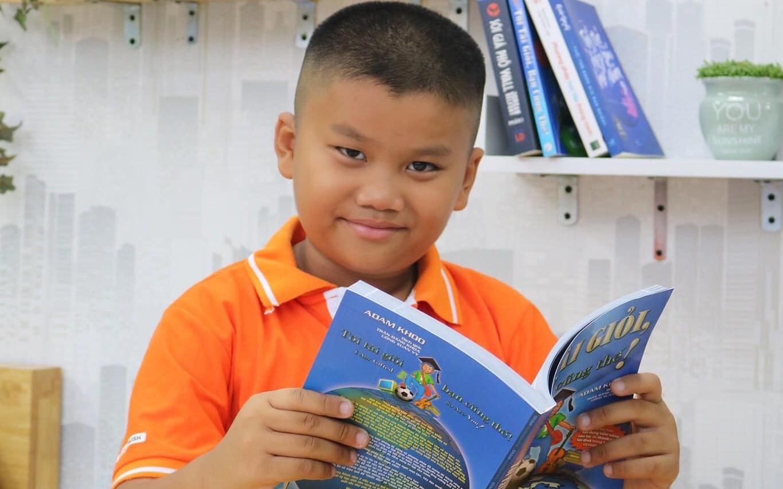 """Mẹ cậu bé ở An Giang đạt 7.0 IELTS khi mới 10 tuổi chia sẻ chi tiết bí quyết tự học tiếng Anh của con, xin mọi người đừng coi con là """"Thần đồng"""""""