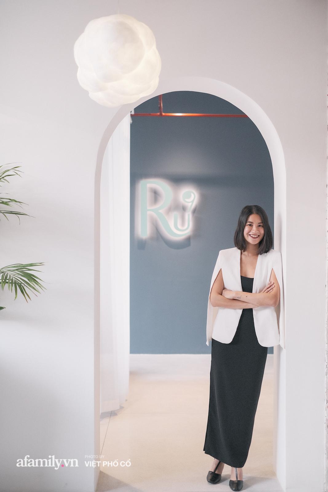 """Đặng Thùy Trang: Bỏ cơ hội rộng mở ở nước ngoài, chia tay công việc nghìn đô về làm """"công chúa hạt đậu"""" vì những giấc ngủ bồng bềnh trên 9 tầng mây - Ảnh 4."""