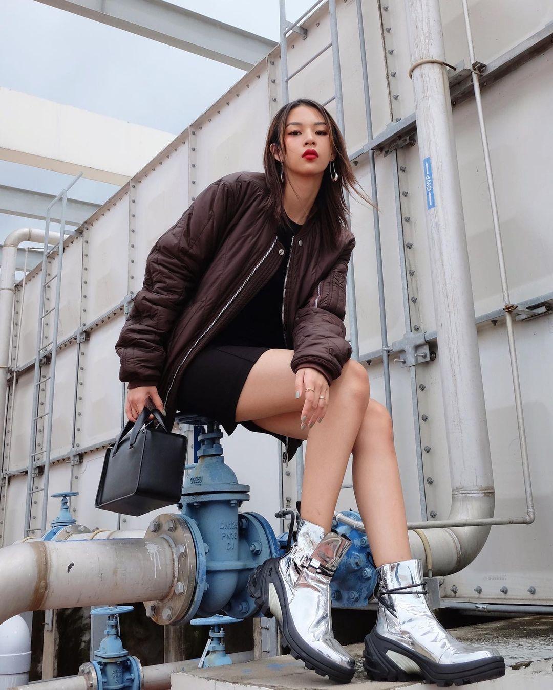 """Instagram look của sao Việt tuần qua: Chi Pu """"quẩy"""" skinny jeans ít ai mặc, Quỳnh Kool diện đồ lộ dây áo lót - Ảnh 8."""