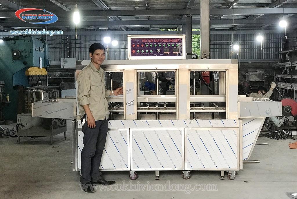 Máy rửa bát công nghiệp - giải pháp vệ sinh an toàn, tiết kiệm nhân công cho các doanh nghiệp - Ảnh 1.