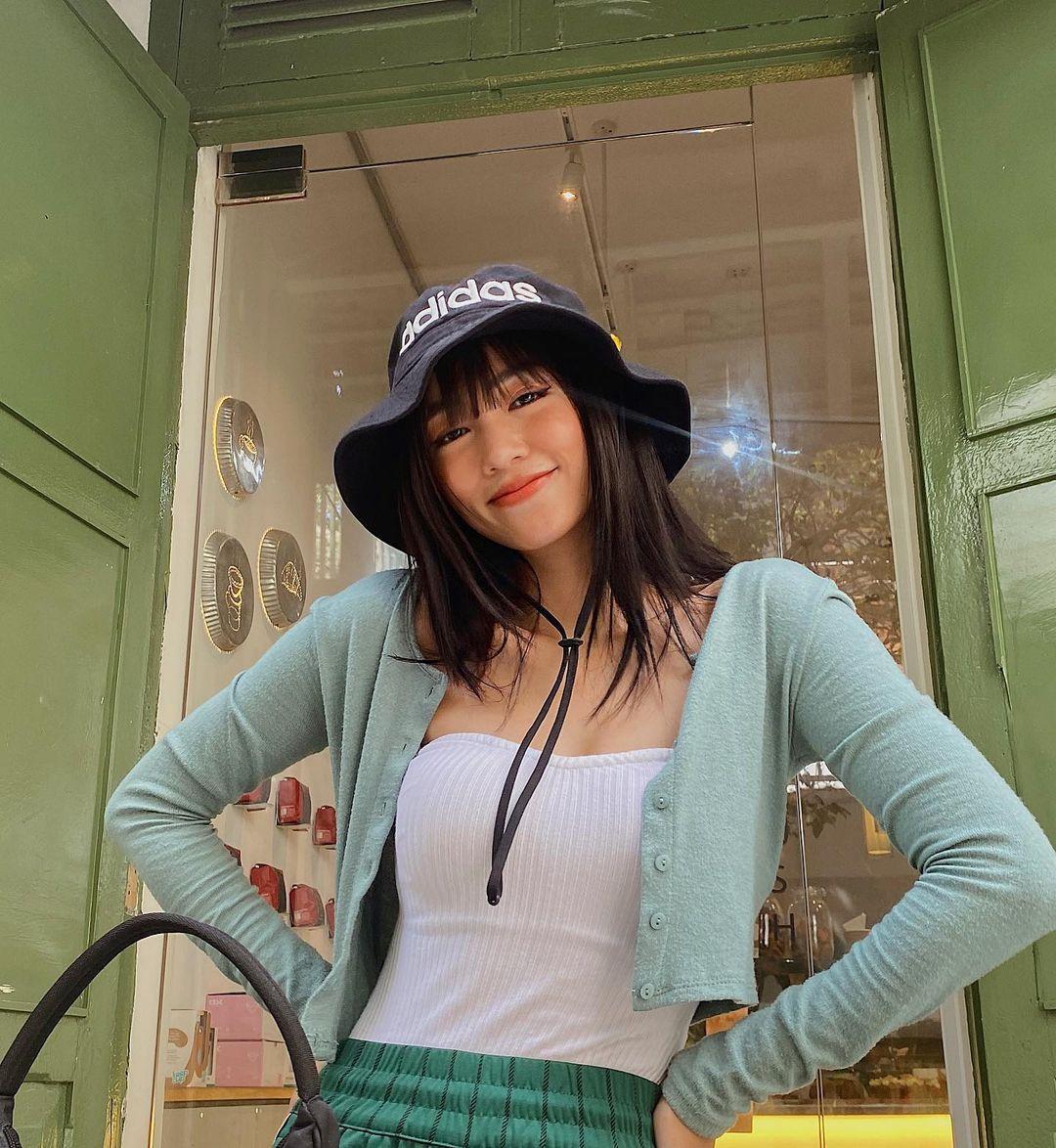 """Instagram look của sao Việt tuần qua: Chi Pu """"quẩy"""" skinny jeans ít ai mặc, Quỳnh Kool diện đồ lộ dây áo lót - Ảnh 10."""