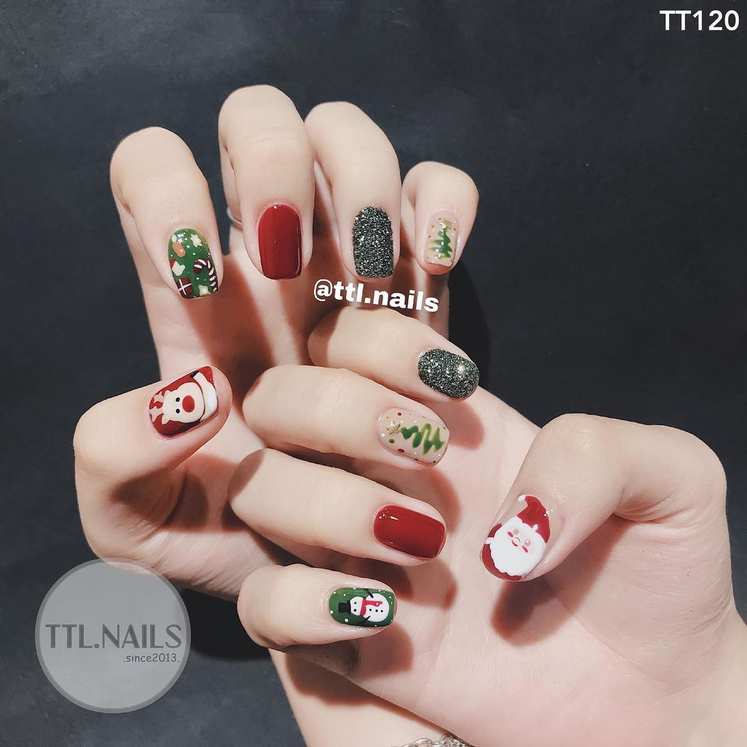 Đón Noel với 10 bộ nail xinh miễn bàn hot hit nhất các tiệm lúc này - Ảnh 4.