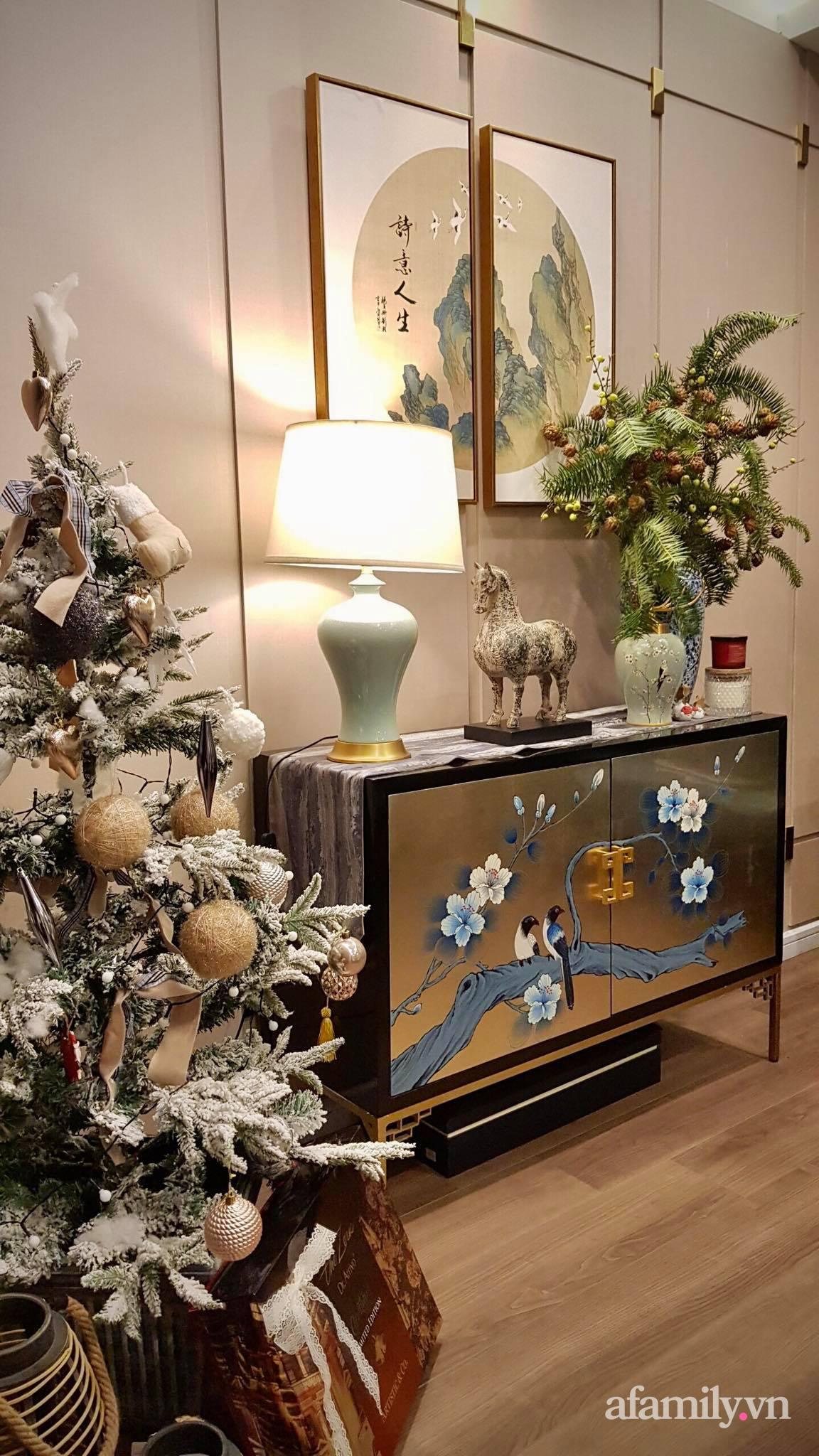 """Căn hộ """"thắp sáng"""" những sắc màu giúp từng góc nhỏ thêm ấm cúng đón Giáng sinh ở Hà Nội - Ảnh 8."""