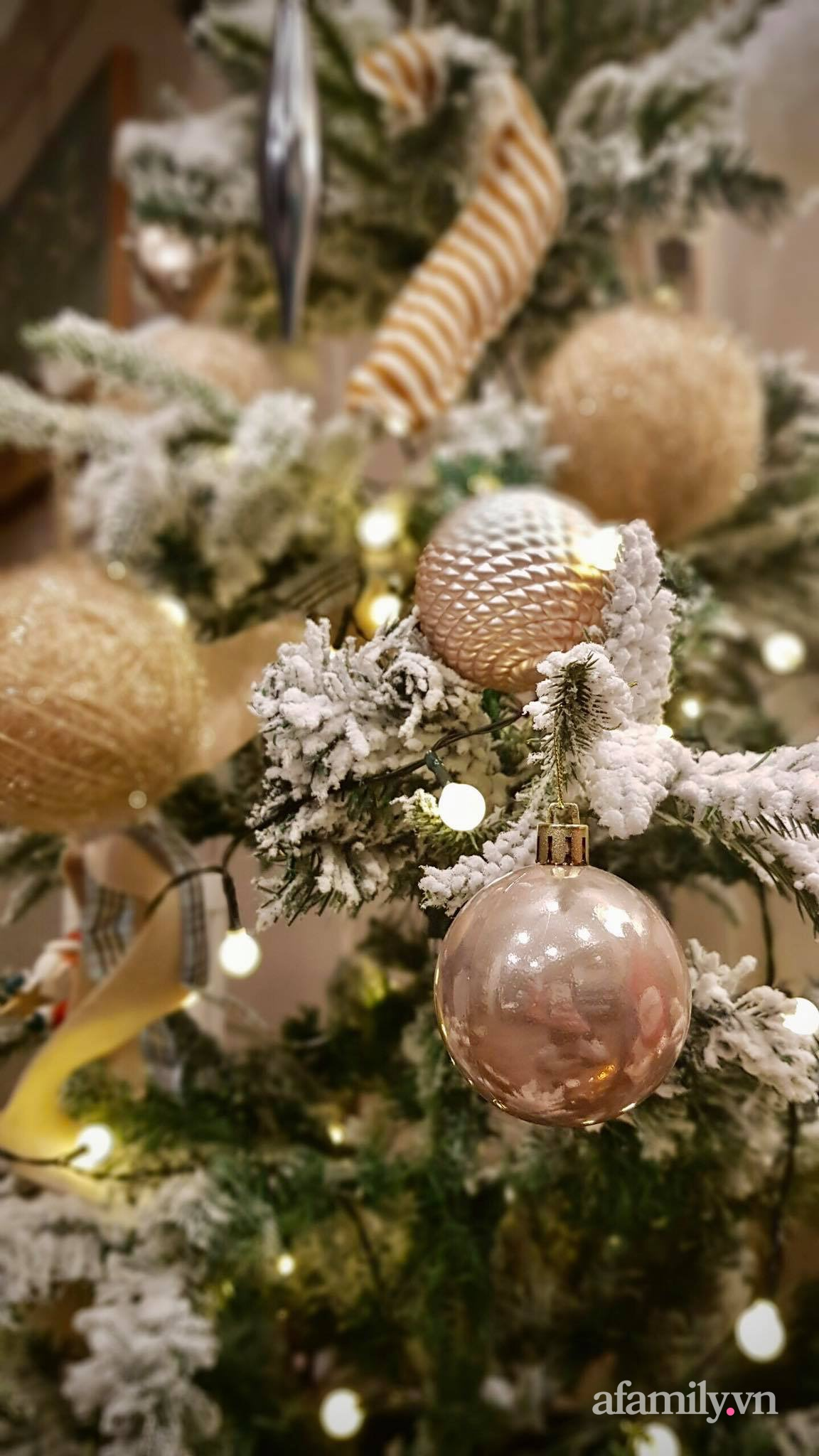 """Căn hộ """"thắp sáng"""" những sắc màu giúp từng góc nhỏ thêm ấm cúng đón Giáng sinh ở Hà Nội - Ảnh 9."""