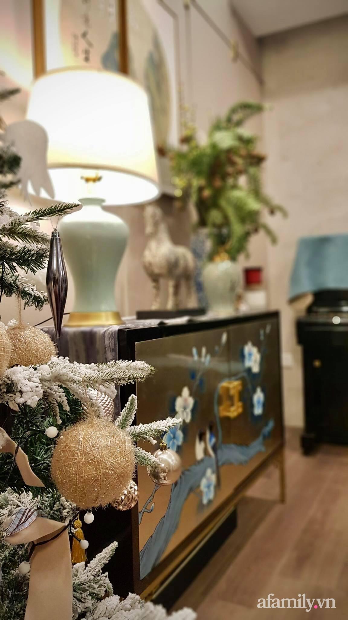 """Căn hộ """"thắp sáng"""" những sắc màu giúp từng góc nhỏ thêm ấm cúng đón Giáng sinh ở Hà Nội - Ảnh 10."""