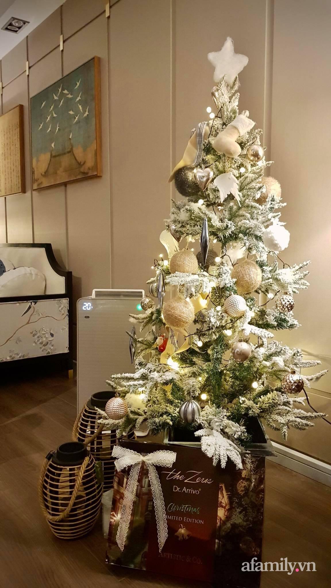 """Căn hộ """"thắp sáng"""" những sắc màu giúp từng góc nhỏ thêm ấm cúng đón Giáng sinh ở Hà Nội - Ảnh 13."""