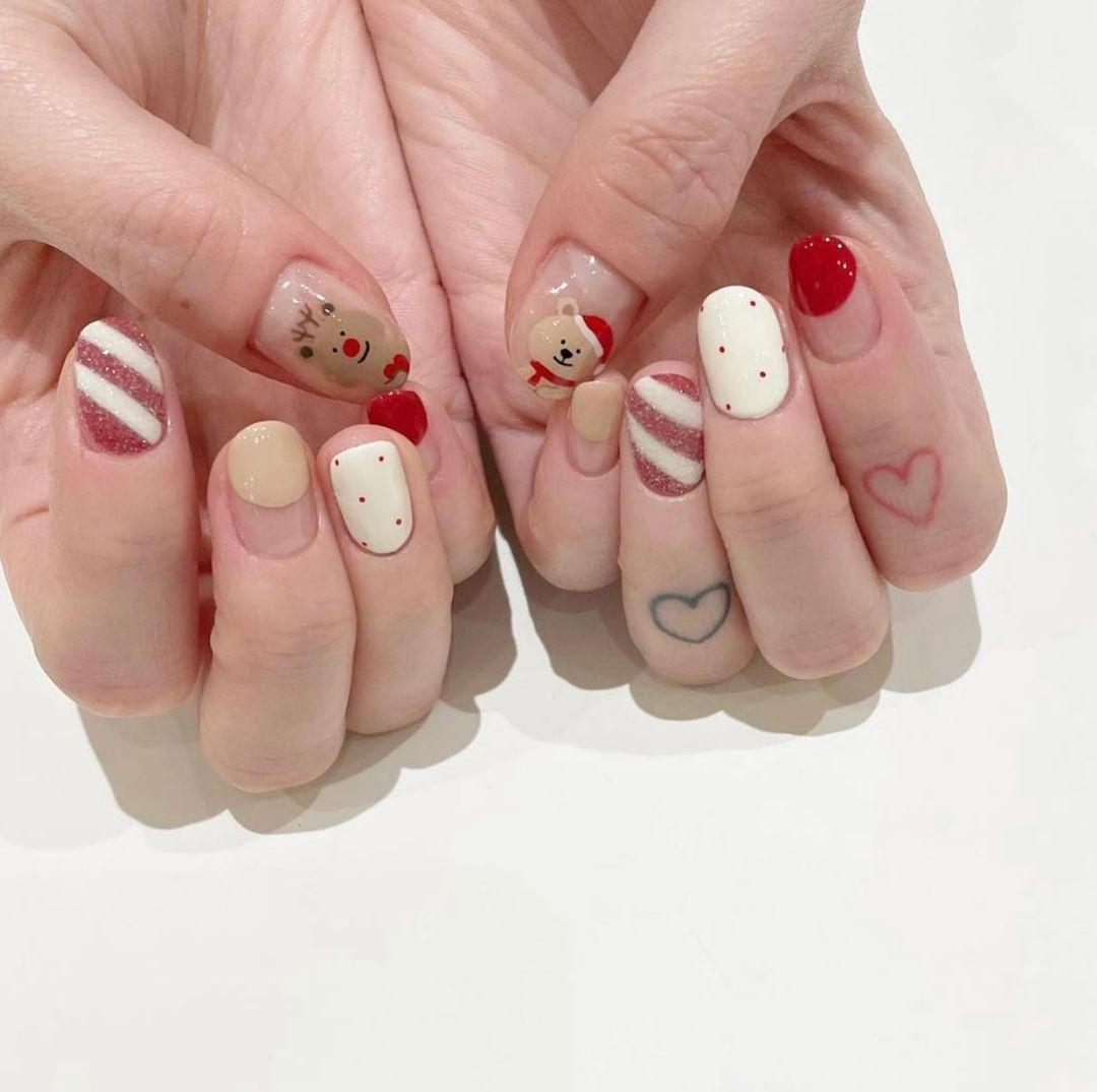 Đón Noel với 10 bộ nail xinh miễn bàn hot hit nhất các tiệm lúc này - Ảnh 14.