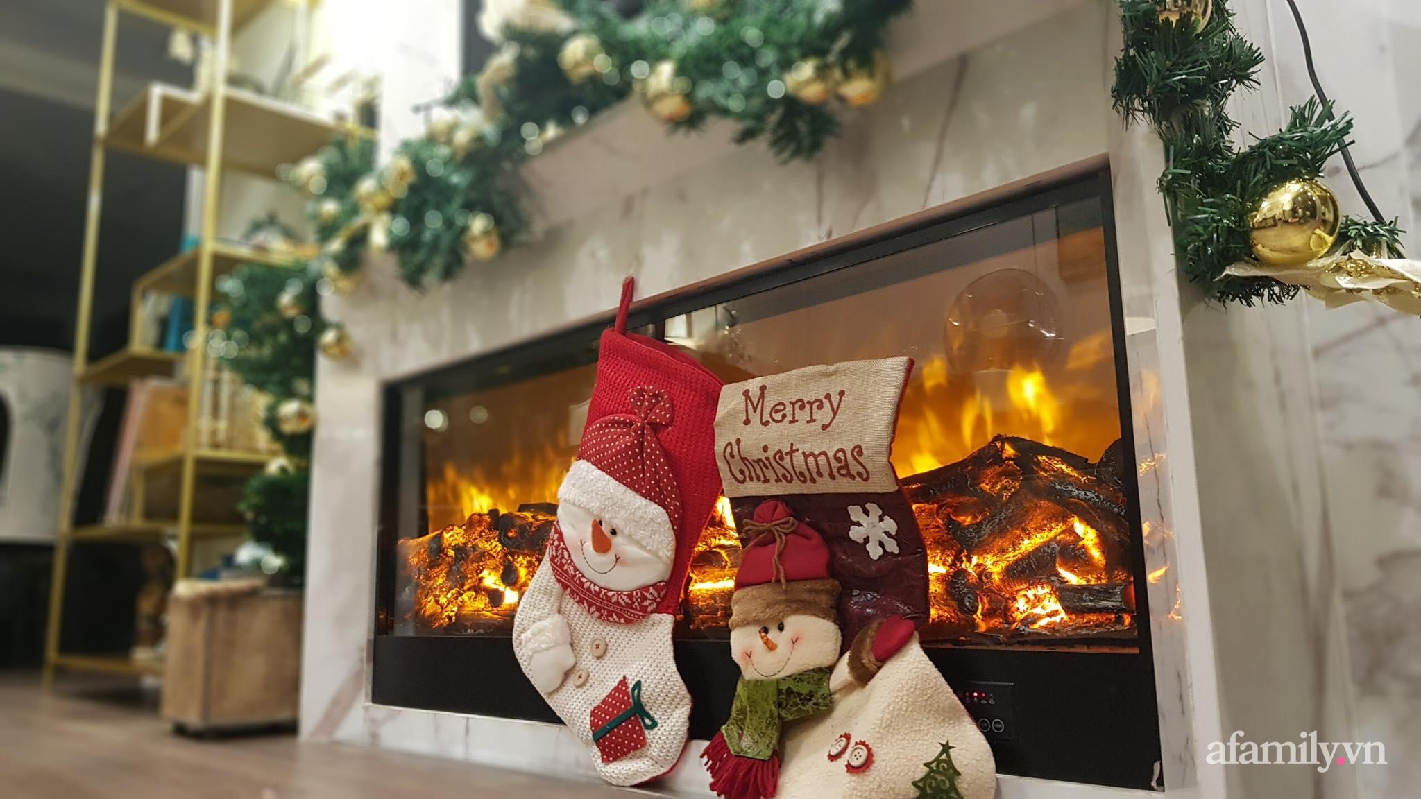"""Căn hộ """"thắp sáng"""" những sắc màu giúp từng góc nhỏ thêm ấm cúng đón Giáng sinh ở Hà Nội - Ảnh 7."""