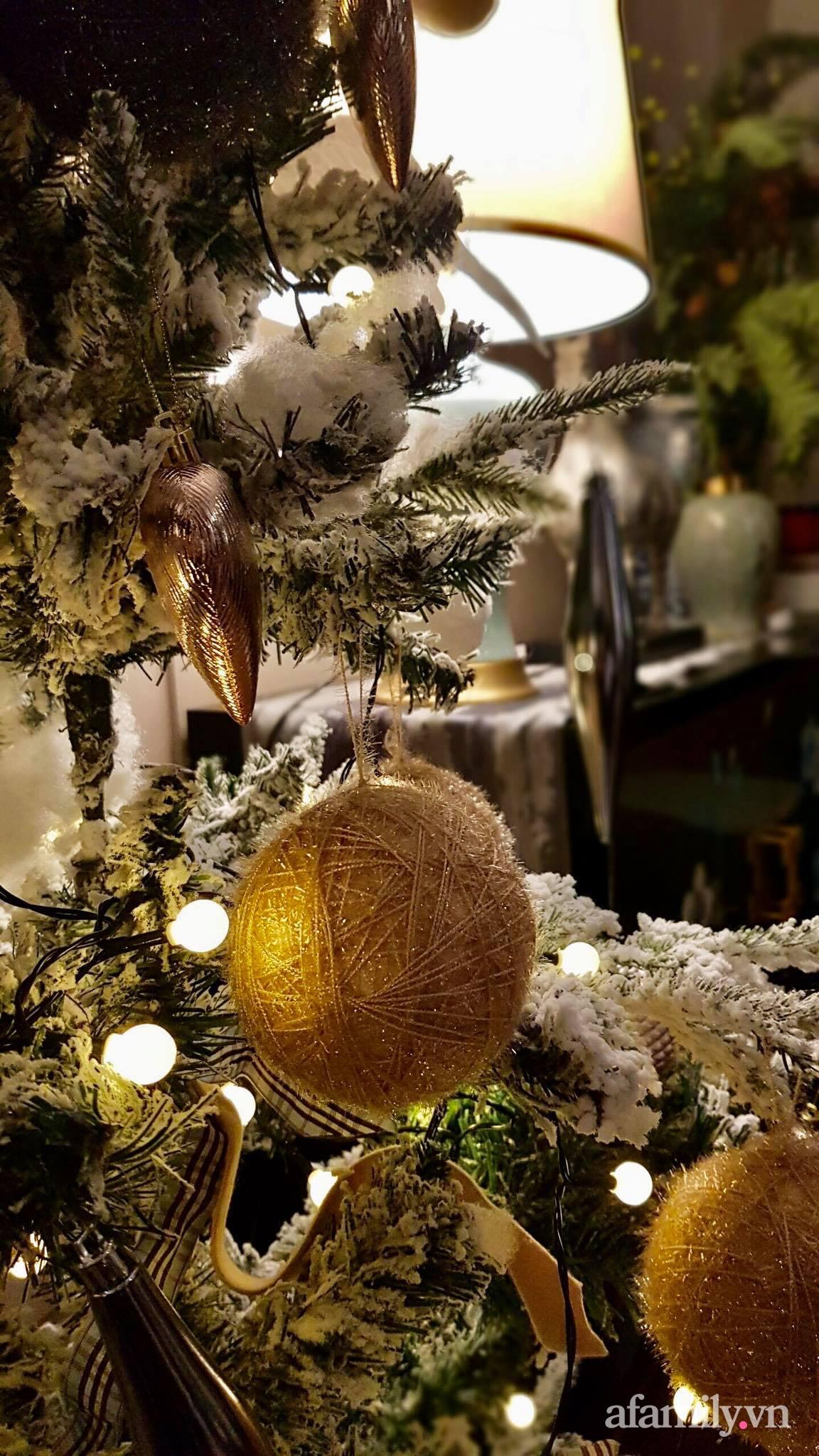"""Căn hộ """"thắp sáng"""" những sắc màu giúp từng góc nhỏ thêm ấm cúng đón Giáng sinh ở Hà Nội - Ảnh 14."""