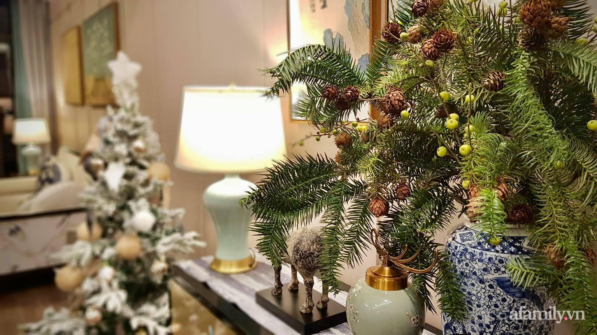 """Căn hộ """"thắp sáng"""" những sắc màu giúp từng góc nhỏ thêm ấm cúng đón Giáng sinh ở Hà Nội - Ảnh 5."""