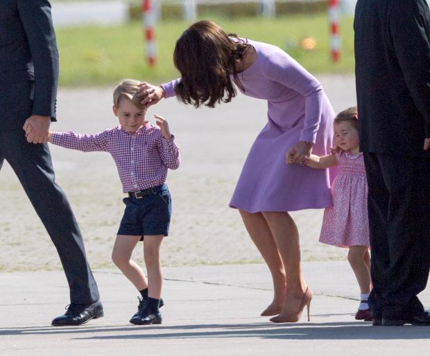 5 điều đơn giản mà công nương Kate làm cho các con nhưng lại khiến Meghan nhìn thôi cũng đã thấy thua - Ảnh 3.