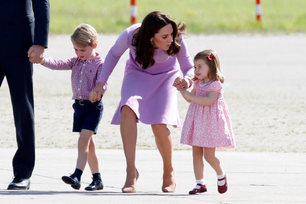 5 điều đơn giản mà công nương Kate làm cho các con nhưng lại khiến Meghan nhìn thôi cũng đã thấy thua - Ảnh 4.