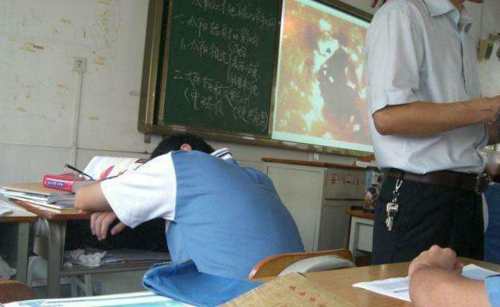 Cô giáo gọi con trai là 'đứa trẻ dốt nhất lớp', bà mẹ lập tức đáp trả, từng câu chữ khiến giáo viên ngượng tím mặt - Ảnh 2.