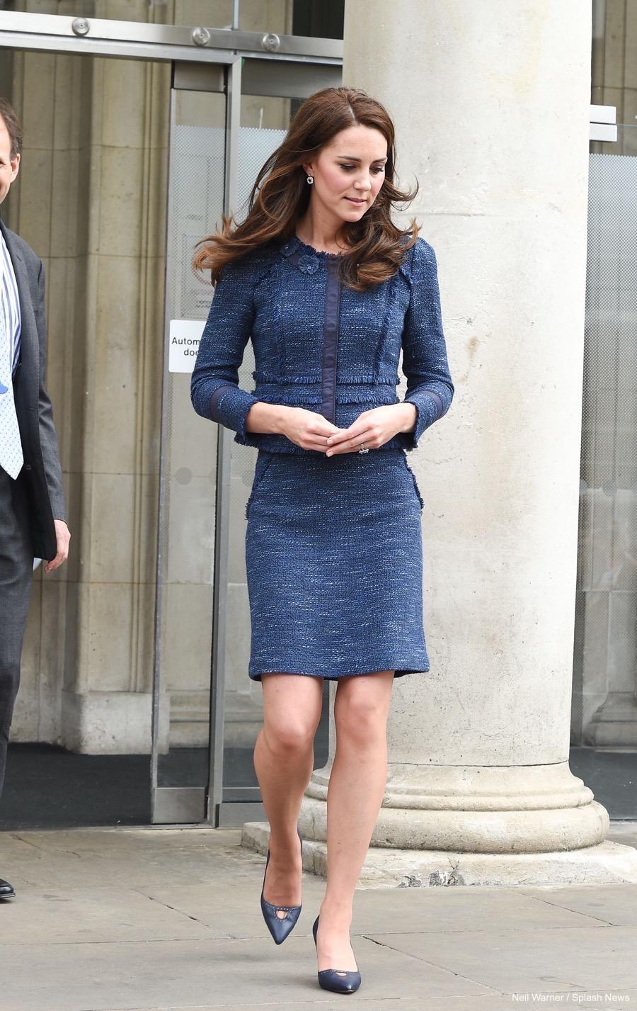 Công nương Kate chỉ ra kiểu áo khoác sang chảnh bất chấp thời gian, đã thế còn cực dễ mặc và tôn dáng đỉnh cao - Ảnh 2.