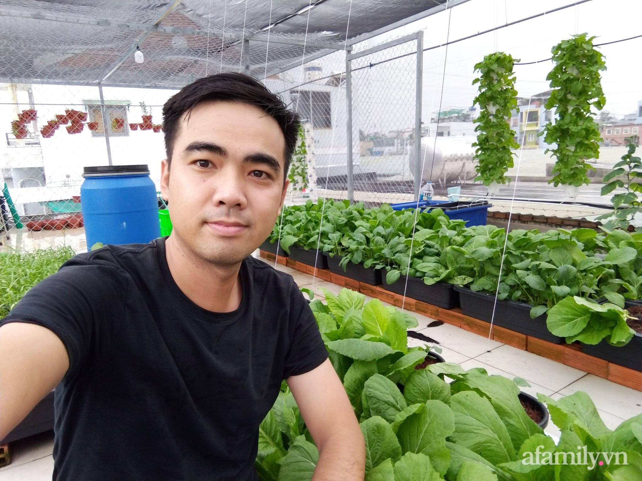 Sân thượng 100m² trồng rau nuôi cá với tổng chi phí đầu tư 80 triệu đồng ở quận 12 Sài Gòn - Ảnh 1.