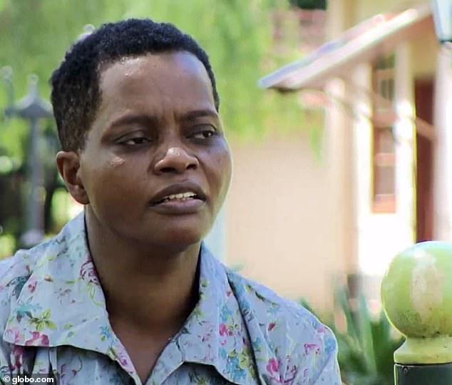 Gửi con gái 8 tuổi cho nhà giáo sư nhận nuôi vì nghèo khó, người mẹ chẳng ngờ 40 năm sau sự thật khủng khiếp được phơi bày nhờ tờ giấy vệ sinh - Ảnh 1.