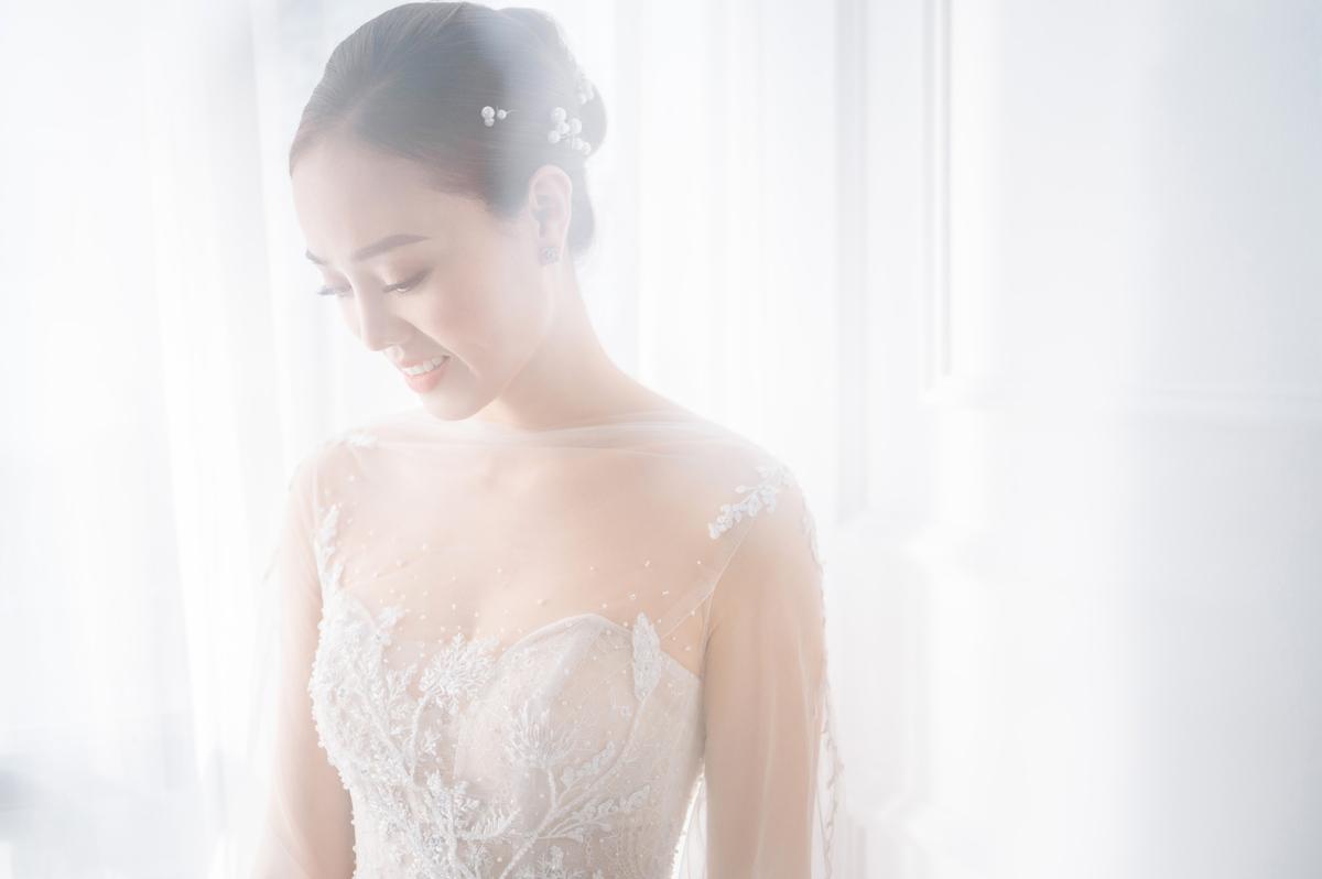 2/3 số váy cưới của vợ Công Lý là thiết kế riêng, hé lộ mẫu váy sẽ mặc trong ngày trọng đại - Ảnh 6.