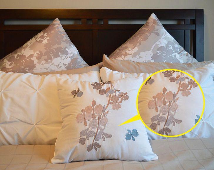 Những sai lầm phổ biến trong trang trí phòng ngủ khiến không gian tẻ nhạt - Ảnh 10.