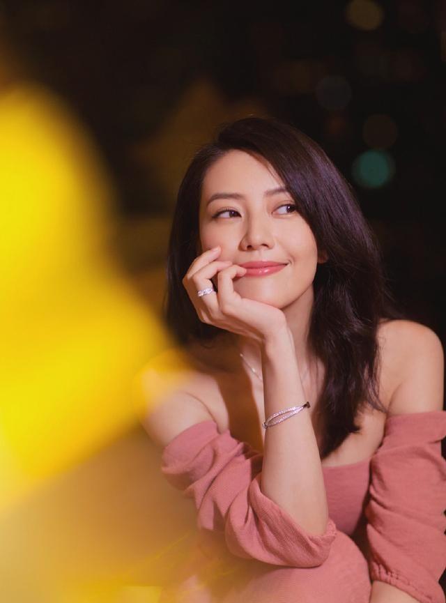 Cao Viên Viên tự chê mình nhạt nhẽo, netizen phản pháo: Chị quá đẹp, còn có chồng là Dạ Hoa - Triệu Hựu Đình - Ảnh 8.