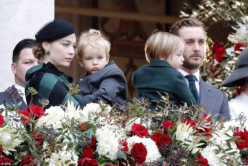 Vợ của Hoàng tử đẹp trai nhất châu Âu: Dung mạo xinh đẹp mĩ miều ở tuổi 35, gu thời trang chuẩn Hoàng gia dù là người ngoại đạo - Ảnh 2.