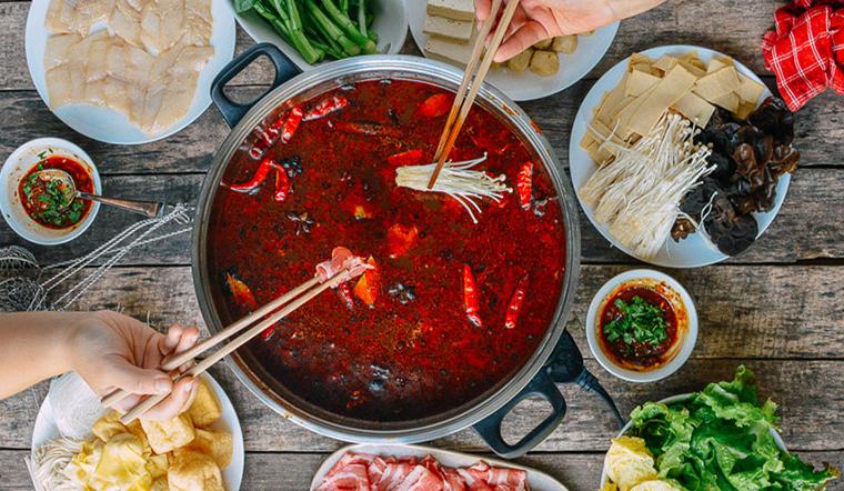 huong-dan-cach-lam-mon-lau-trung-khanh-cay-xe-tru-danh-don-gian-tai-nha-202007171123432010.jpg