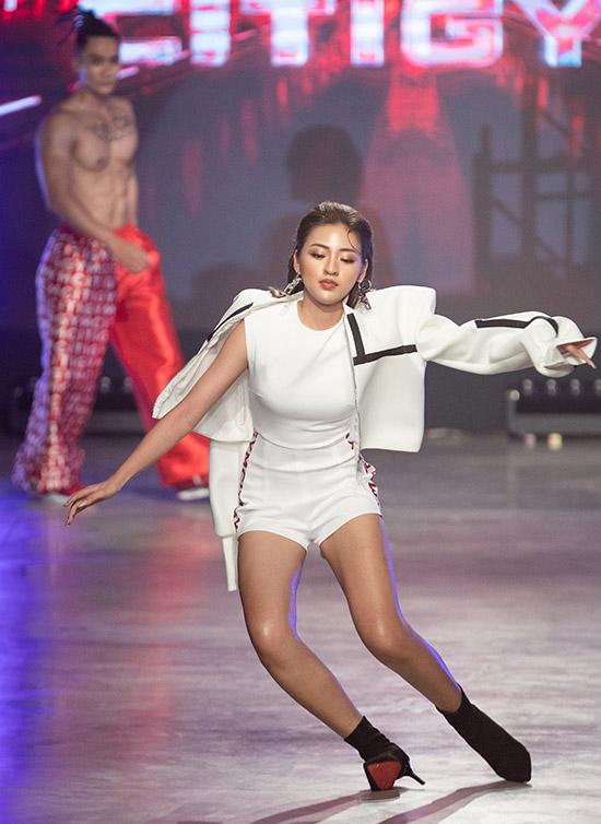 Thuỳ Dương bất ngờ bóng gió về sự cố tại Fashion Festival, netizen liền réo ngay tên trứng rán cần mỡ Thanh Tâm - Ảnh 4.
