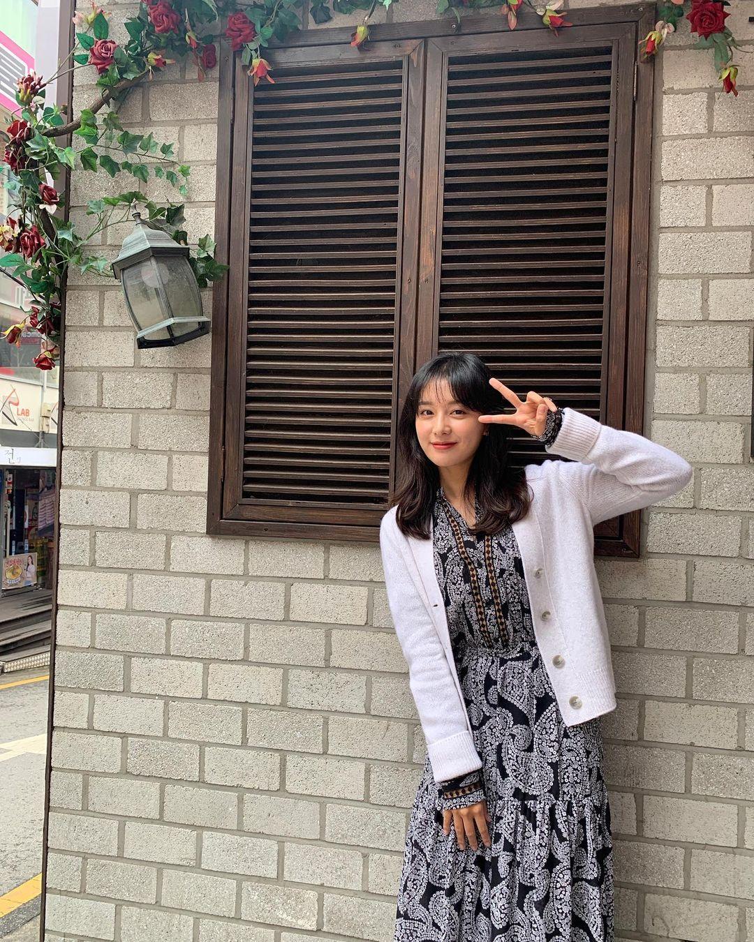 Mix & Phối - Style của Kim Ji Won trong phim mới: Đơn giản mà siêu xinh tươi lãng mạn, nhìn là muốn học theo bằng hết - chanvaydep.net 7