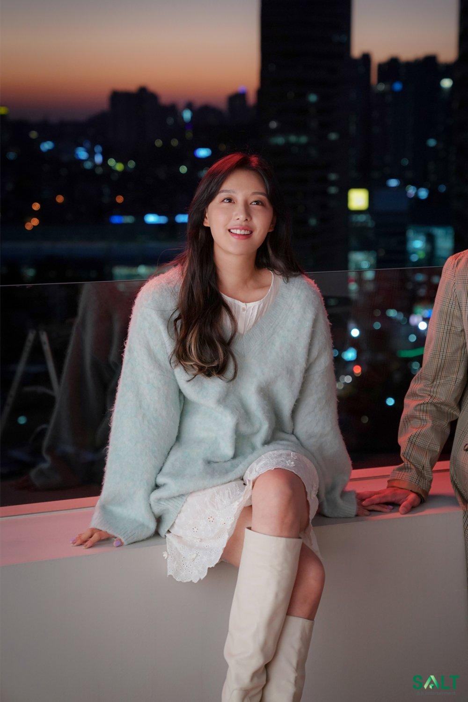 Mix & Phối - Style của Kim Ji Won trong phim mới: Đơn giản mà siêu xinh tươi lãng mạn, nhìn là muốn học theo bằng hết - chanvaydep.net 6